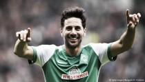 El Werder Bremen golea y acaricia la salvación