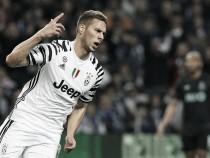 Pjaca celebra primeiro gol pela Juventus e pede cautela para volta diante do Porto