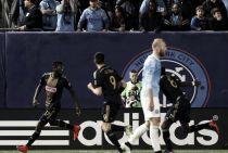 Philadelphia roba la victoria a New York