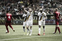 Galaxy saca una victoria de Portland con lo justo