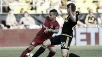 Toronto salva los puntos 'in extremis'