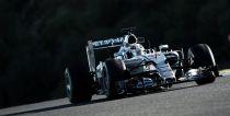 Mercedes manda y Ferrari acecha