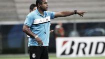 Com status de ídolo e por opção econômica, Roger Machado é oficializado no Grêmio