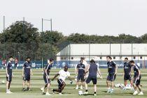 El Paris Saint-Germain entrena sin Van der Wiel
