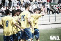 Las Palmas Atlético obra el milagro en Irún