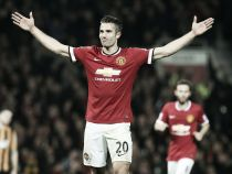 Robin van Persie eyes prolonged return from injury for Manchester derby