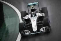 La lluvia obliga a Rosberg a no arriesgar