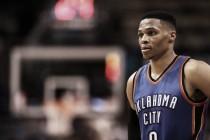 Resumen NBA: Westbrook hace historia, los Celtics pierden su liderato y los Warriors lo reafirman