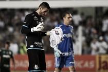 Após milagre do Palmeiras, Vanderlei brilha nos pênaltis e Santos avança à final