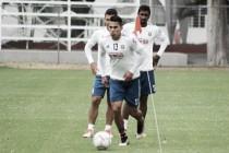 """Carlos Salcedo: """"Estamos mentalizados para ganarles con buen fútbol"""""""