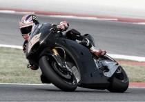 Sam Lowes se sube a la Aprilia RS-GP por primera vez