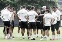 Desfalcado, Santos duela com São Bento para quebrar tabu