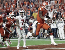 #2 Clemson Tigers dominates #3 Ohio State Buckeyes 31-0 in College Football Playoff semifinals