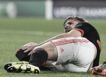 Louis van Gaal gives frustrated Luke Shaw time-off ahead of PSV rematch