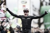 Giro di Romandia, Kung vince la terza tappa. Felline resiste in giallo