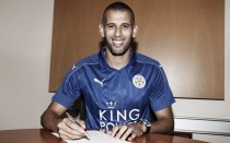 Islam Slimani pone rumbo a Leicester