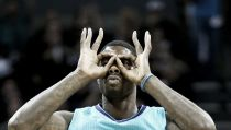 Hornets are back: Charlotte batte Milwaukee 108 a 106