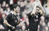Gerrard XI 2-2 Carragher XI: Anfield All-Star game ends in draw