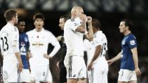 Everton 0-0 Swansea: Ten-man Swans hold firm for tense point at Goodison