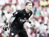 Should Arsenal look at a 'keeper to replace Szczesny?