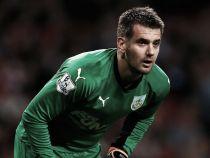 Everton make enquiry for Burnley's Tom Heaton