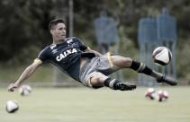 Regularizado, Thiago Neves treina entre titulares e pode fazer sua estreia diante do São Francisco-PA