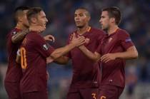 Roma, dopo l'abbraccio dei tifosi testa all'Europa League...e al bivio in campionato