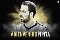 Higuaín é anunciado pela Juventus e se torna a terceira contratação mais cara do futebol mundial
