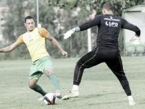 Enderson Moreira intensifica treinos no América-MG buscando acertar o time diante do Cruzeiro