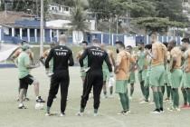 Jogadores do América-MG realizam último treino antes de duelo contra Murici