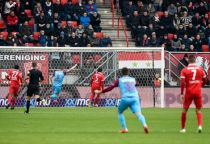El Vitesse asalta De Groschl Veste