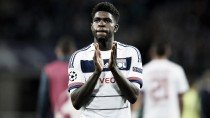Michel-Aulas: ''Prometí a Umtiti que si le llegaba una oferta del club de su corazón, le ayudaría a salir''