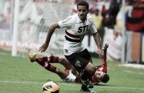 São Paulo aguarda agentes do Barcelona para fechar venda de Douglas