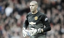 Valdes' wife criticises Manchester United