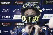 MotoGP, la pioggia penalizza Rossi e Lorenzo: ora gli ex compagni sono attesi da una difficile rimonta