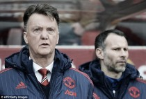 """Van Gaal admits reaching the top four will be """"very difficult"""""""