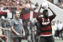 """Muricy evita polêmicas e resume derrota: """"Vasco foi muito melhor"""""""
