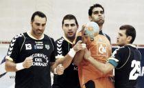Balonmano Aragón vence y sale del descenso
