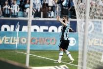 Grêmio vence São Paulo pelo placar mínimo e divide vice-liderança com Corinthians