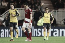 Arsenal bate Middlesbrough no sufoco e continua vivo em briga por vaga na UCL