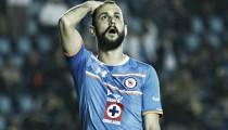 Niega Víctor Vázquez ser el salvador de Cruz Azul