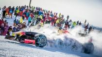 F1, Verstappen con la RB7 sulla neve di Kitzbuhel