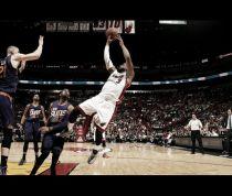 Los Heat sobreviven en una batalla por los Playoffs