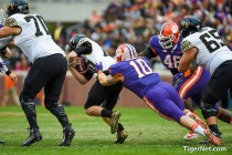 Clemson Tigers vs Wake Forest Demon Deacons Live Stream Scores and Updates of 2016 NCAA Football (35-13)