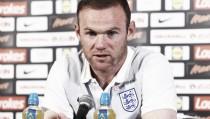 Rooney seguirá siendo el capitán de Inglaterra hasta su retirada en 2018