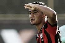 """Ramon acredita que Vitória saia da degola na próxima rodada: """"Basta uma vitória dentro de casa"""""""