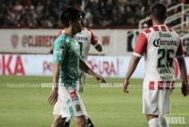 """Fernando Navarro: """"Había que ganar a Necaxa"""""""