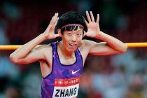 El chino bailarín derrota a los dos colosos