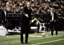 """Zidane lamenta derrota para o Valencia: """"Estou bravo, perdemos o jogo em dez minutos"""""""