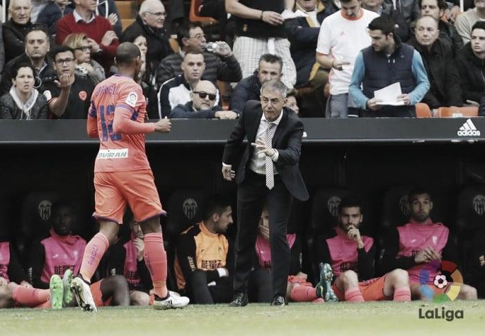 Dudas en el once del Granada CF para Balaídos